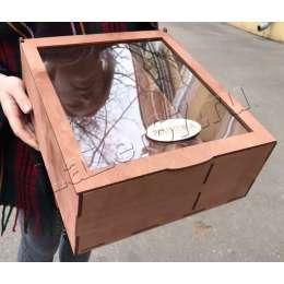 Большая коробка с двумя делениями и крышкой